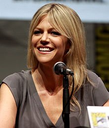 220px-Kaitlin_Olson_by_Gage_Skidmore_3